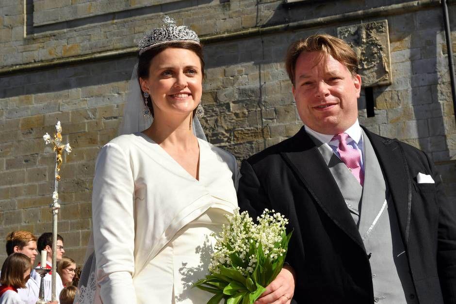 Anna Theresa Von Und Zu Arco Zinneberg Sagt Ja Anna Verlobt Heiraten