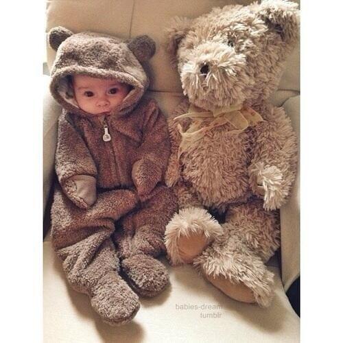 a2f970144c40 cute baby D teddy bear outfit