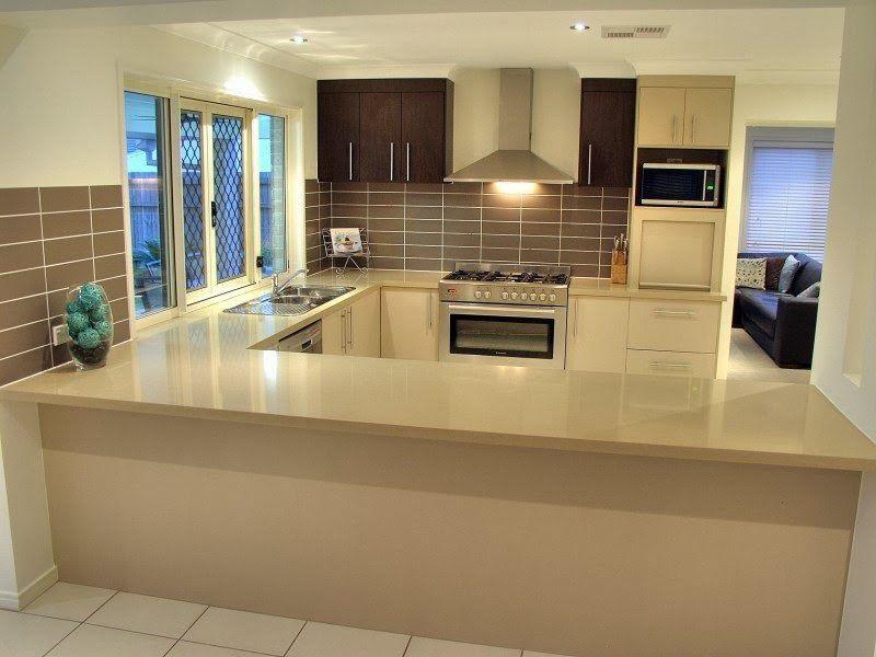 1 Diseño de cocina moderna con isla de hormigón pulido - cocina - cortinas para cocina modernas
