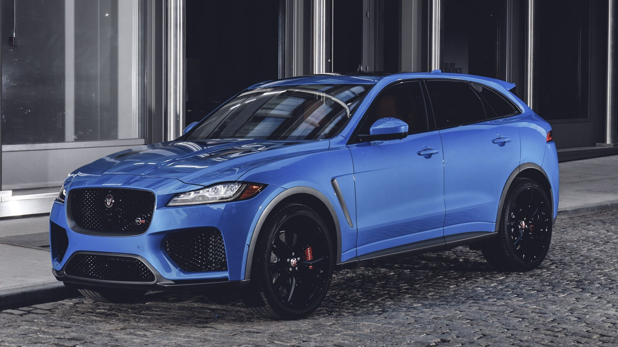 The Jaguar F Pace Svr Will Make You Forget About The Mercedes Amg Glc 63 And The Upcoming Bmw X3 M Top Speed Jaguar Suv Jaguar Land Rover Jaguar Car