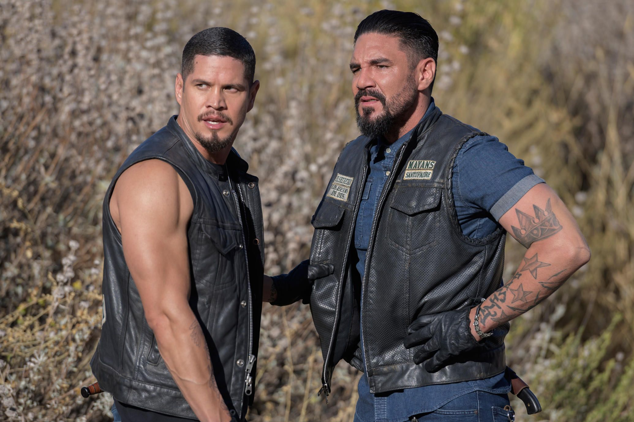 Mayans M C Season 2 Finale The Sons Of Anarchy Spinoff Is The Macho Est Soap Opera On Tv Mayan Mcs Cute Celebrities