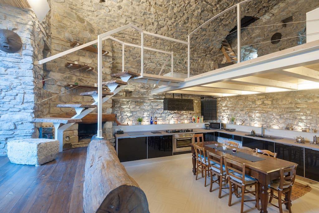 Cucina Open Space Full Optional Con Camino Sweet Home Toscana Arredamento