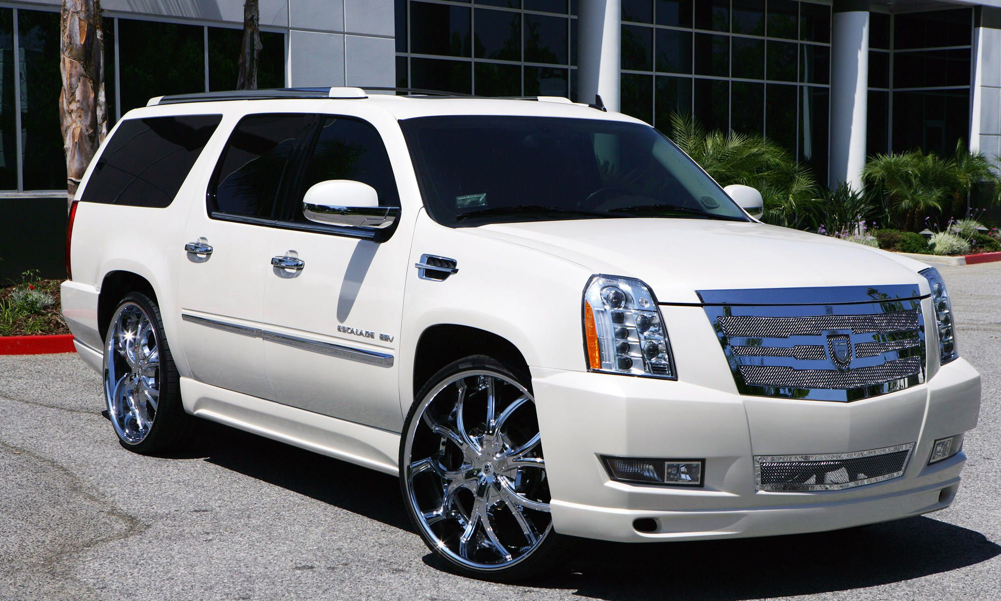 Lexani wheels the leader in custom luxury wheels 2011 white cadillac escalade with chrome