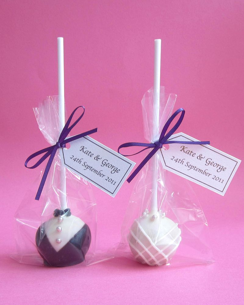 Ideal Bride Brings You Our 5 Of The Best Wedding Cakepops As Chosen By Editor Says Make Great Favours And Are Adored