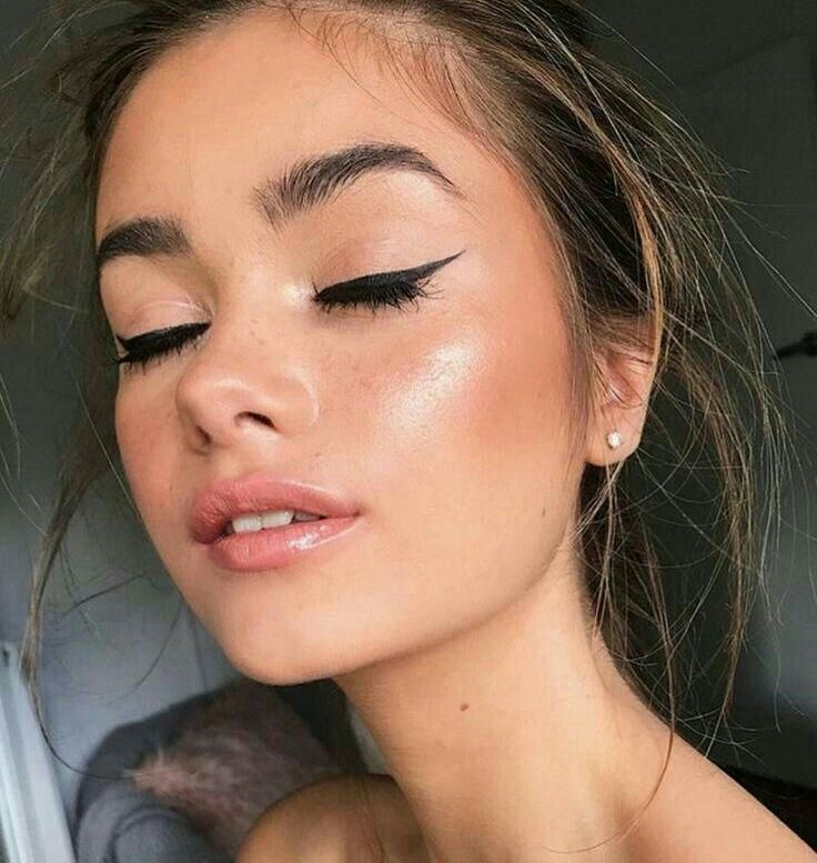 How To Apply Makeup When You DOn't Know What to Do This step-by-step guide on how to apply makeup i