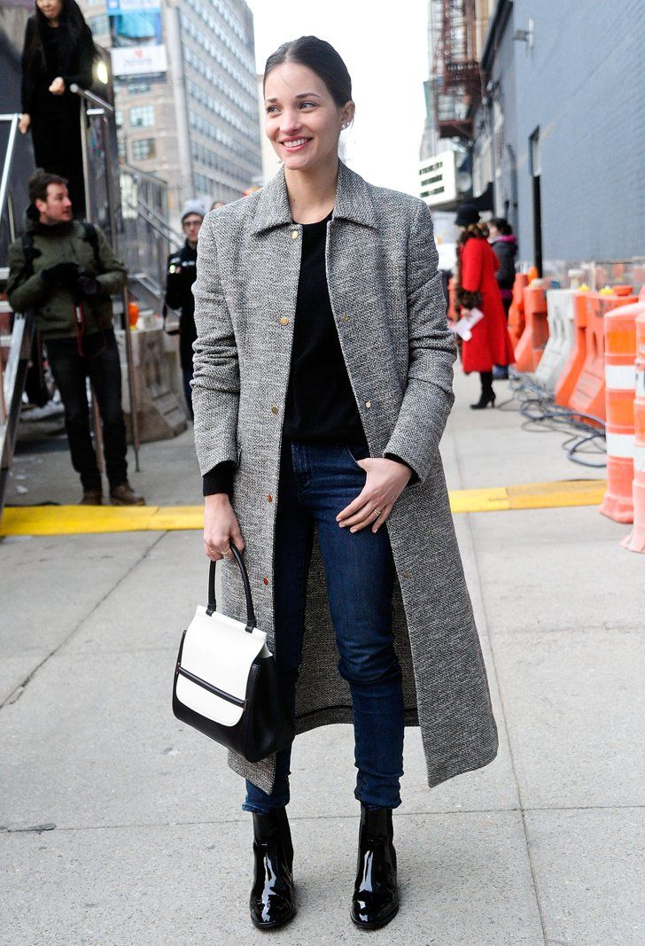 Pin for Later: Flashback Friday: NYFW Street Style Stars Trekked Through the Snow For Fashion NYFW Street Style Day 3 Maria Dueñas Jacobs didn't need more than a classic coat and ladylike bag to get our attention.