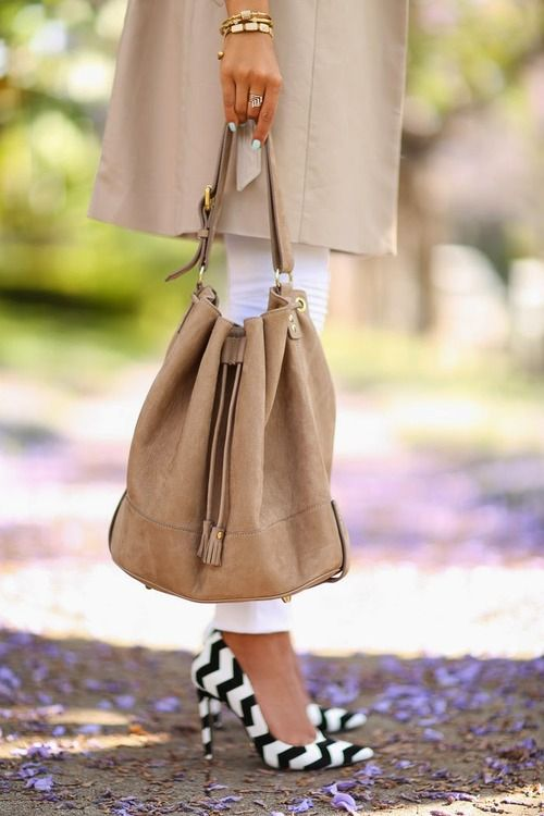 .I don't do hobo bags, but I like this one.