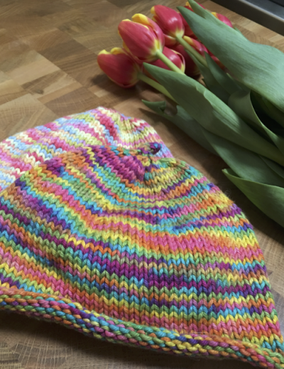 Baby Beanie (With images) | Baby hat free pattern, Debbie ...