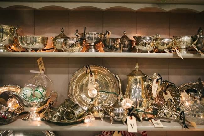 Vintage Whites Blog: Vintage Christmas Decor at the Vintage Whites Market!