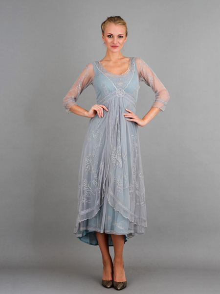 010f10749b4fc Featuring lovely embroidery on tulle
