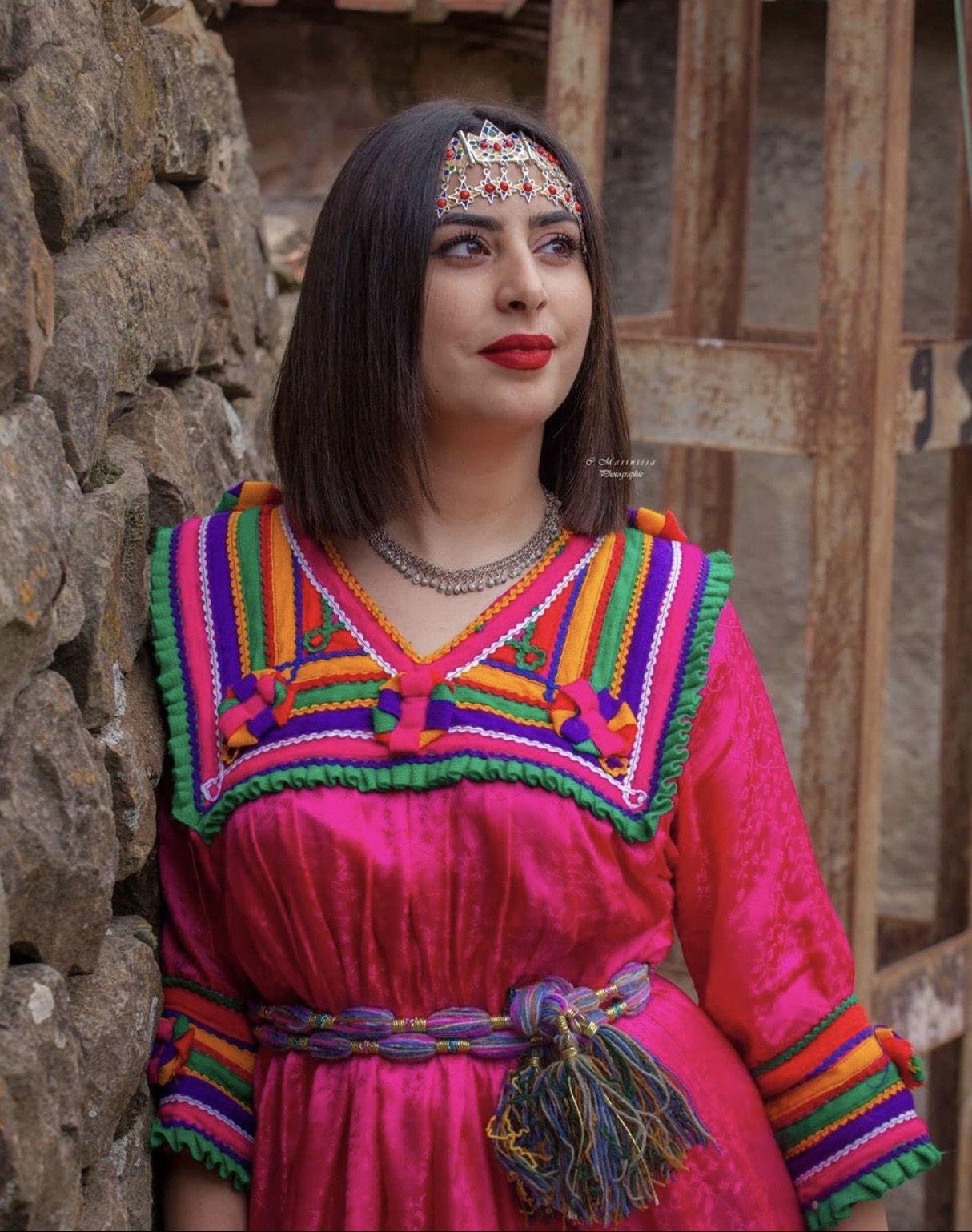 Épinglé par Regard Eloigné sur * Robe Kabyle * en 2020 ...