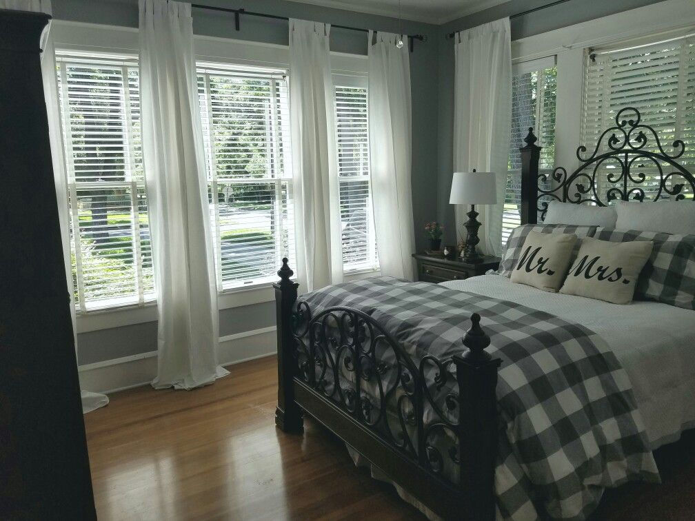 Front Guest Room #ikeacurtains #ikeaduvet