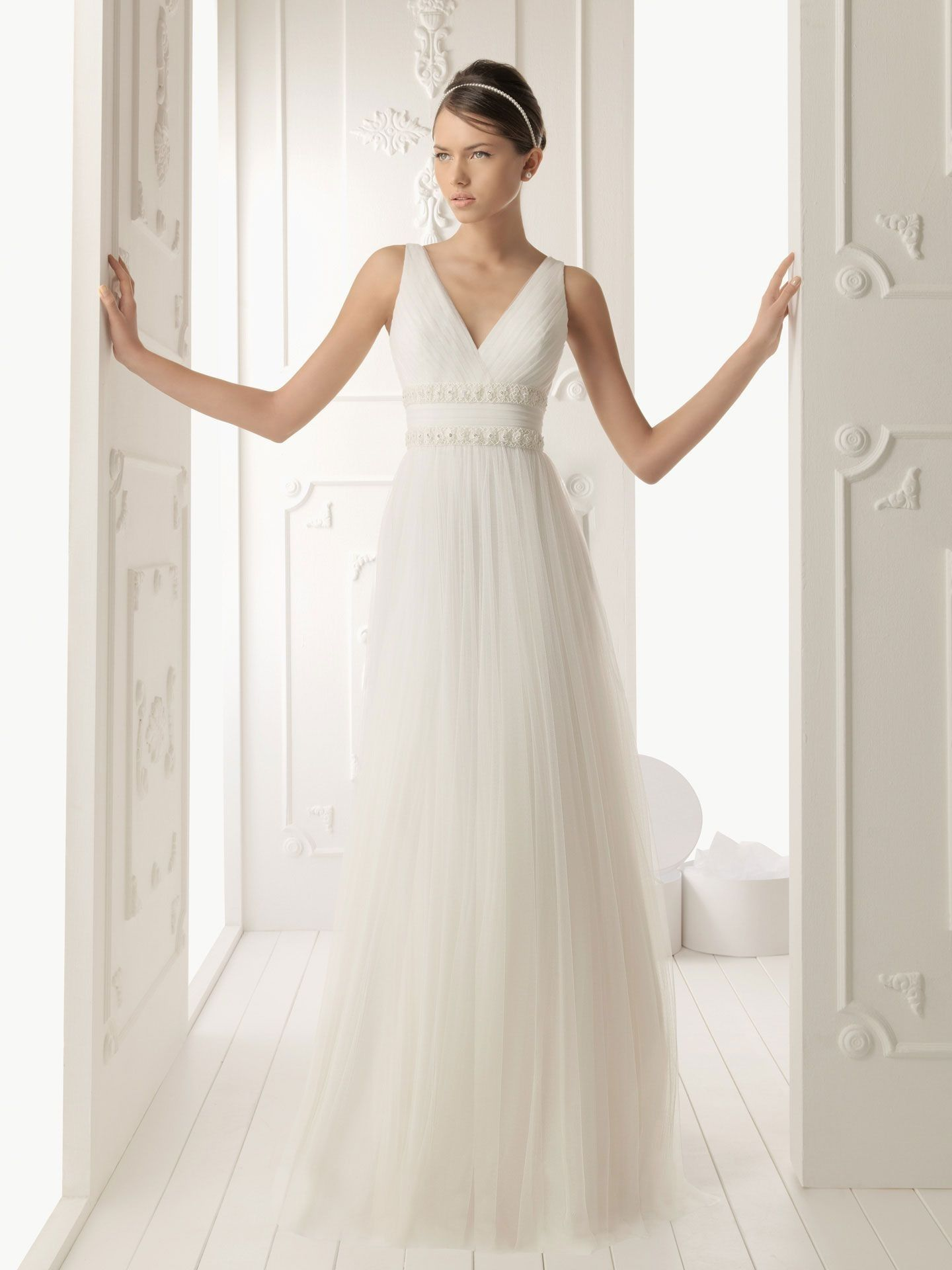 Tulle vneckline sheath style with floral detail waistbands