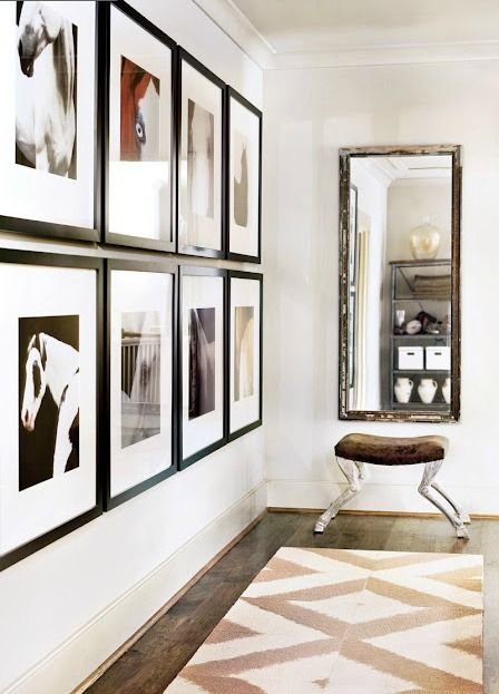 Interior styling picture walls things that inspire en for Aterrizaje del corredor de entrada deco