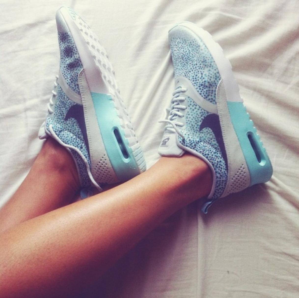 Nike Air Max Thea Premium Hvid køb og tilbud, Dressinn Sneakers