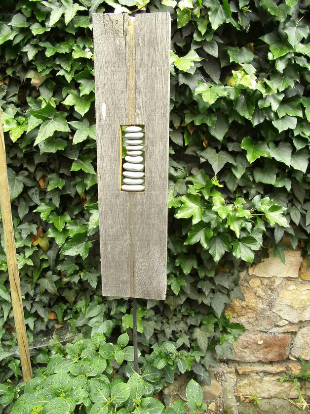 Gartendekoration skulptur aus naturholz rheinkiesel for Gartendekoration