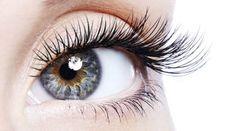 Wir stellen Ihnen 4 Methoden für längere und dichtere Wimpern vor
