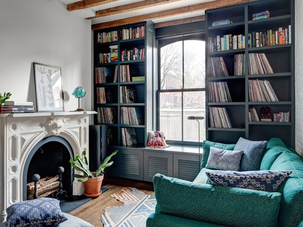 brooklyn house tour living room with turquoise sofa | via coco+kelley