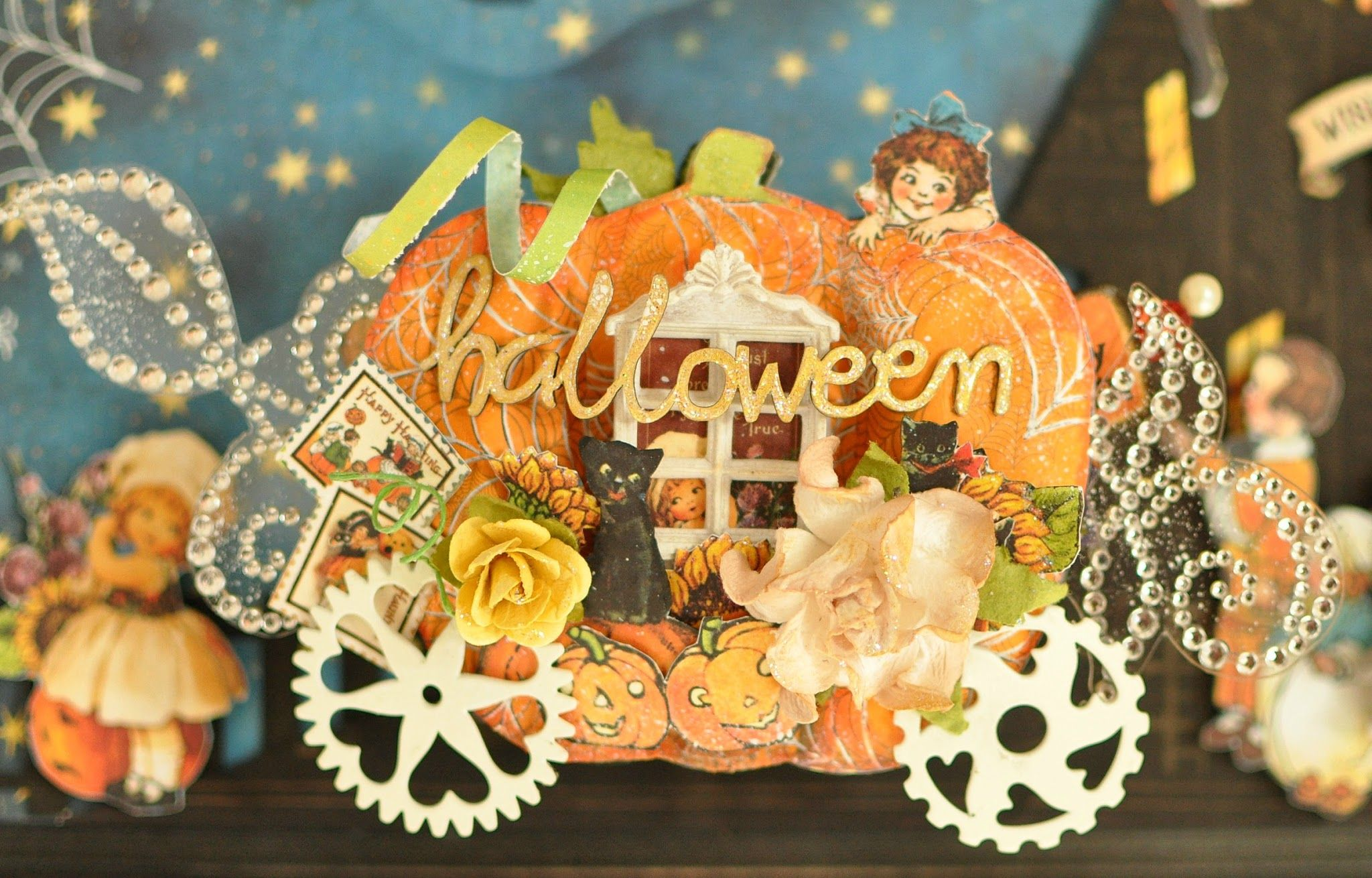 This is a minibook that themed a pumpkin carriage.