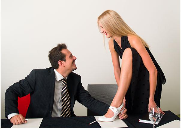 Frau nehmen keine Risiken in ihren Jobs und wenn Sie sagen, dass Sie stärker sind als ich Männer haben 50 mehr Oberkörperkraft als Frau
