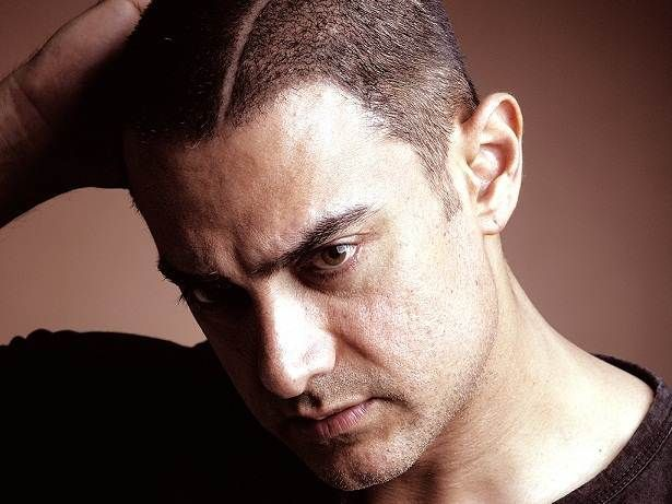 Aamir Khan Unique Hairstyle In Ghajini Film Aamir Khan Is One Of The Top Actor And Celebrity From Bollywood Aamir Khan Bollywood Actors Khan