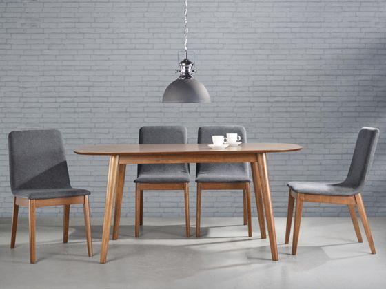 Stilvoller Esstisch in Braun ein schicker Essplatz für