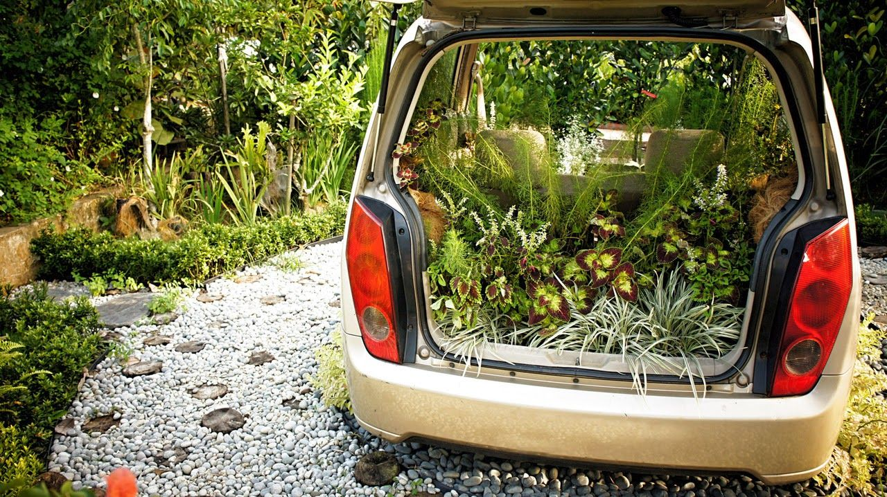 How to Recycle: Abandoned Cars Gardening