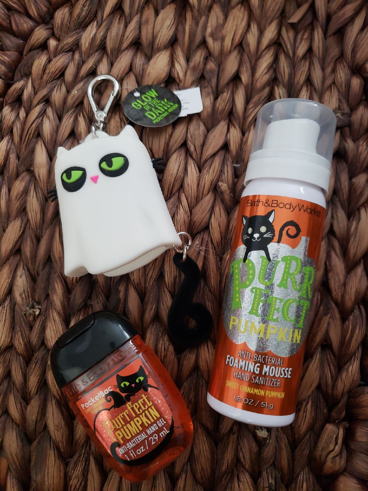 Brand New Bath Body Works Glow In The Dark Kitty Pocketbac