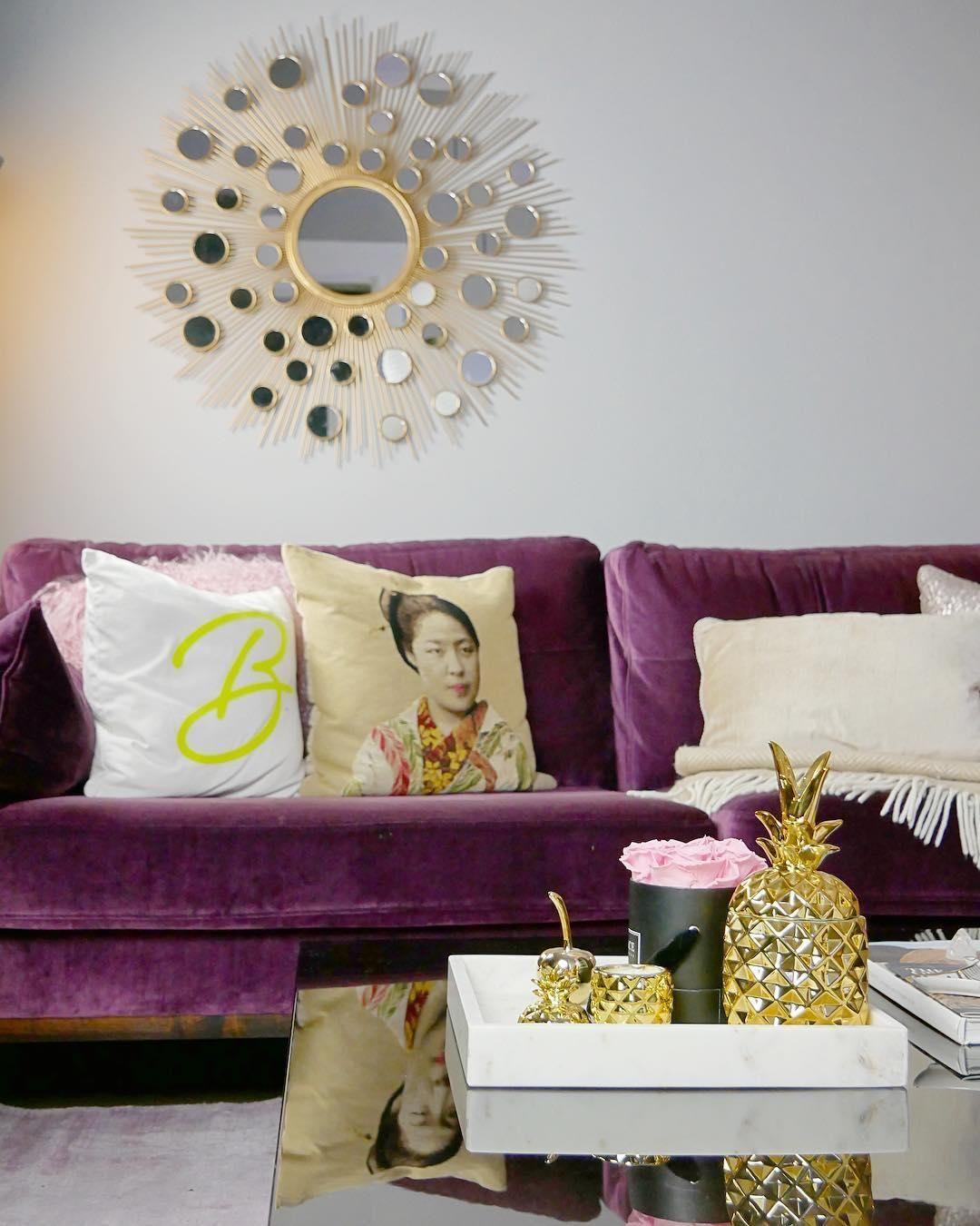 Runder Wandspiegel Agnes mit Goldrahmen  WestwingNow