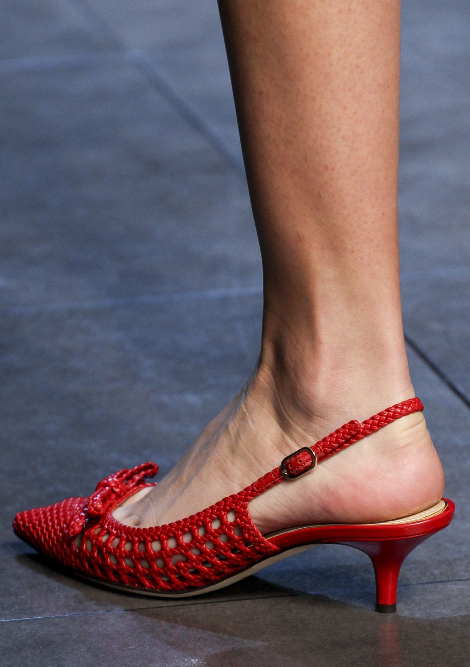 Dolce Gabbana Spring 2014 Kitten Heel Shoes Chic Shoes Dolce And Gabbana
