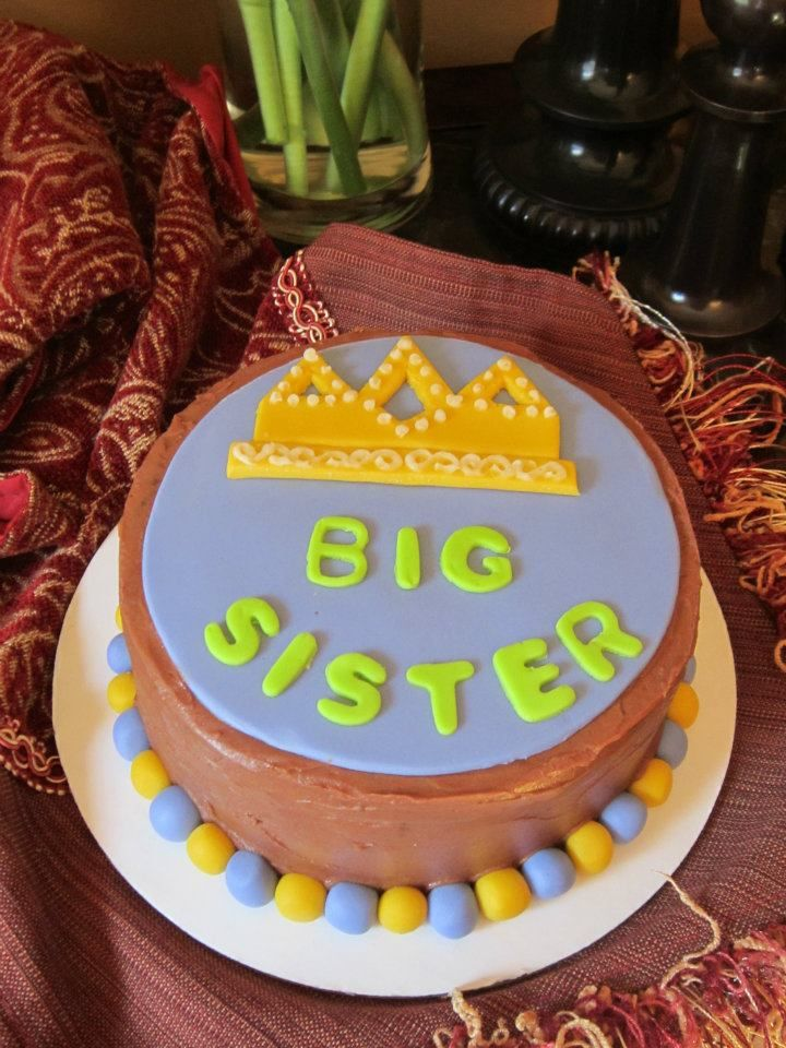 Love The Idea Of A Big Sister Cake For C Or A Special Cupcake But
