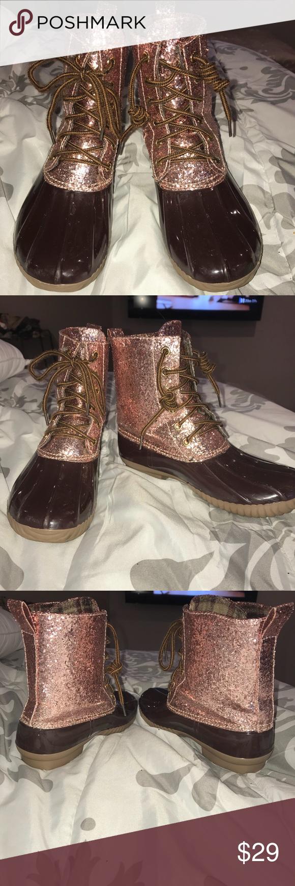 1cb1277ad237 YOKI Rose Gold Glitter Top Duck Boot SzS 5-6 Women EUC- No flaws and ...