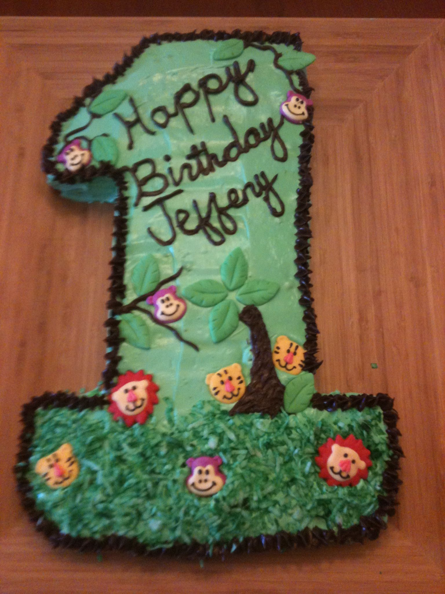 1st Birthday Cake With A Zoo Theme For Our Midgee Pinterest