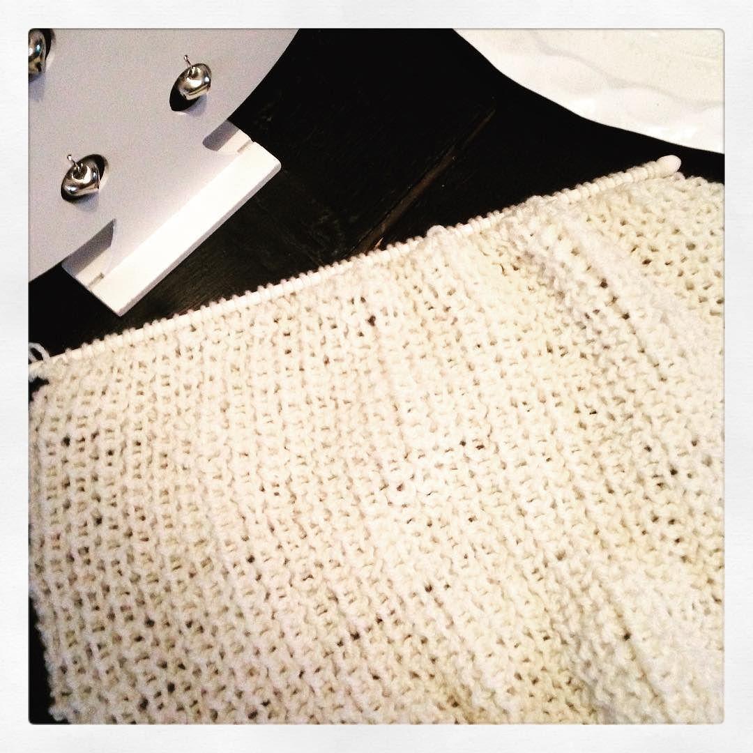 #diy #tricot #knit #knitting #cotes anglaises #beige#shareyourknits #instaknit #jetricotedoncjesuis #yarnporn # by valmango10
