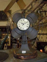 Relógio e ventilador