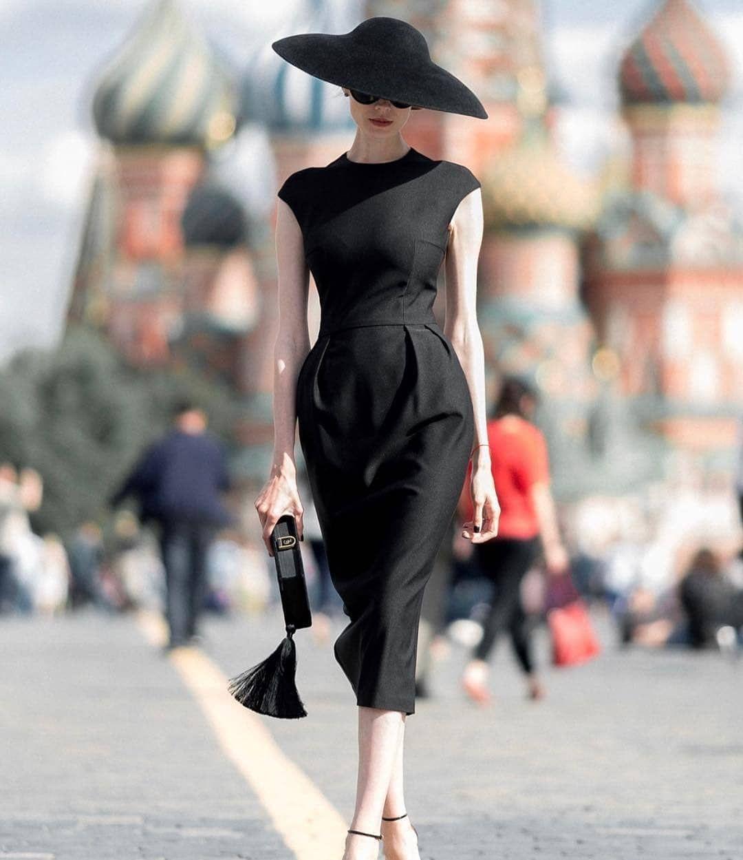 девушка модель платья для работы