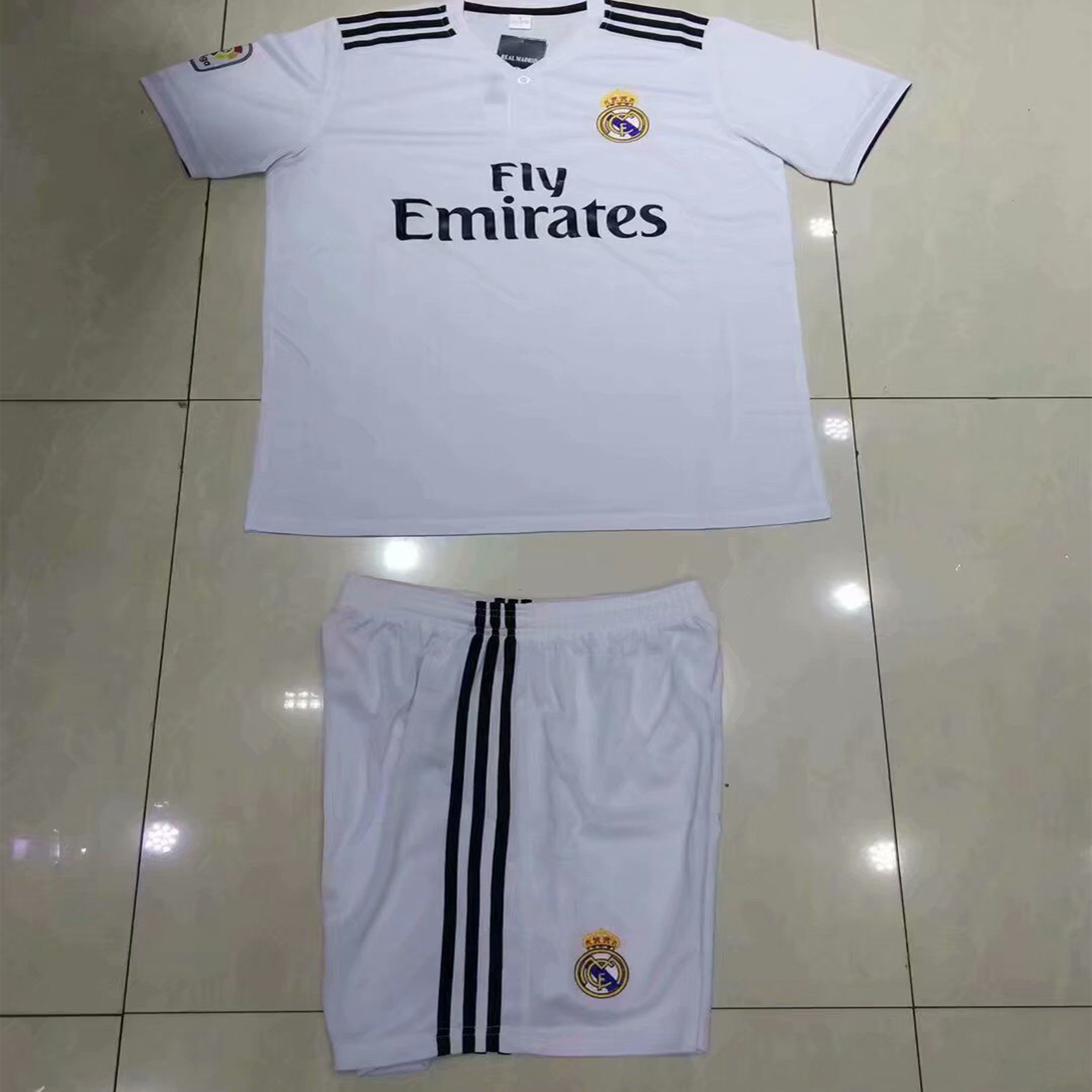e325f9383 18-19 season Real Madrid Soccer Jersey Set for adults and Kids ...