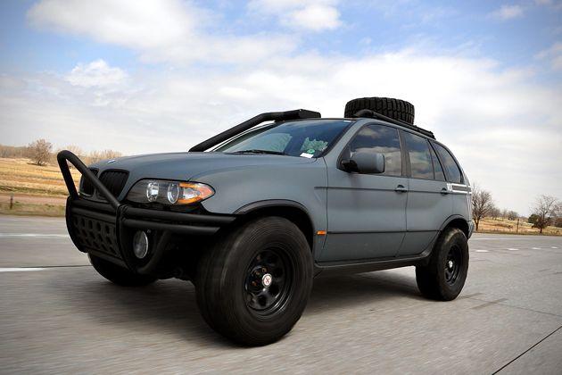 Zombie Apocalypse BMW X5 (4)