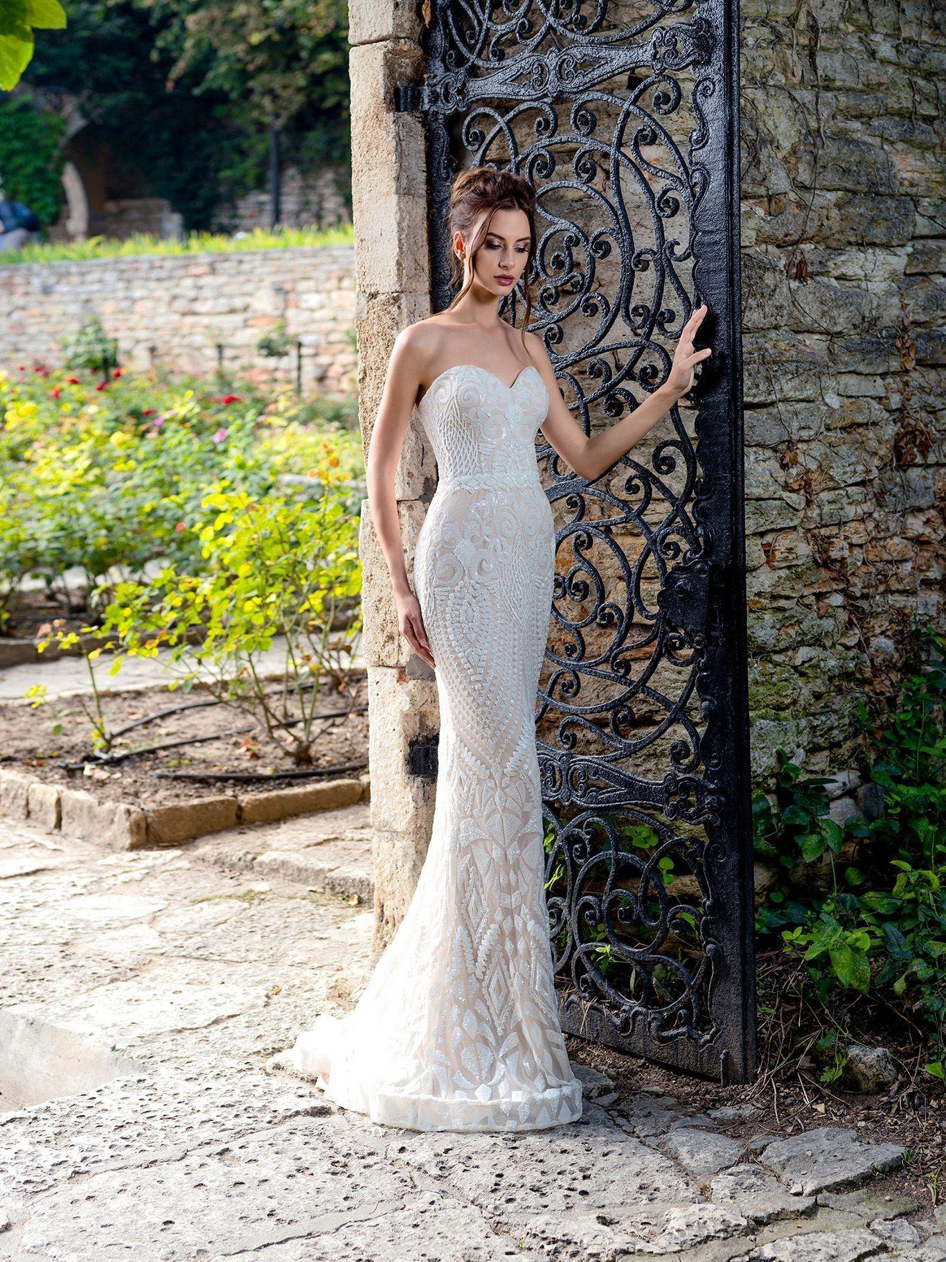 052fd325d4f6 Luxusné svadobné šaty s efektom hadej kože