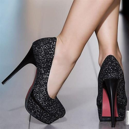 damn I wish I could pull off sky-high heels like these