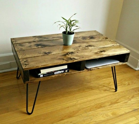 table basse palette pied pingle d coration pinterest table pallet and rustic coffee tables. Black Bedroom Furniture Sets. Home Design Ideas