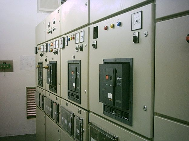 Low Voltage Switchboard With Circuit Breakers  Feeders