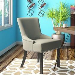 Photo of Springboro polstrede stolsett laget av heltre