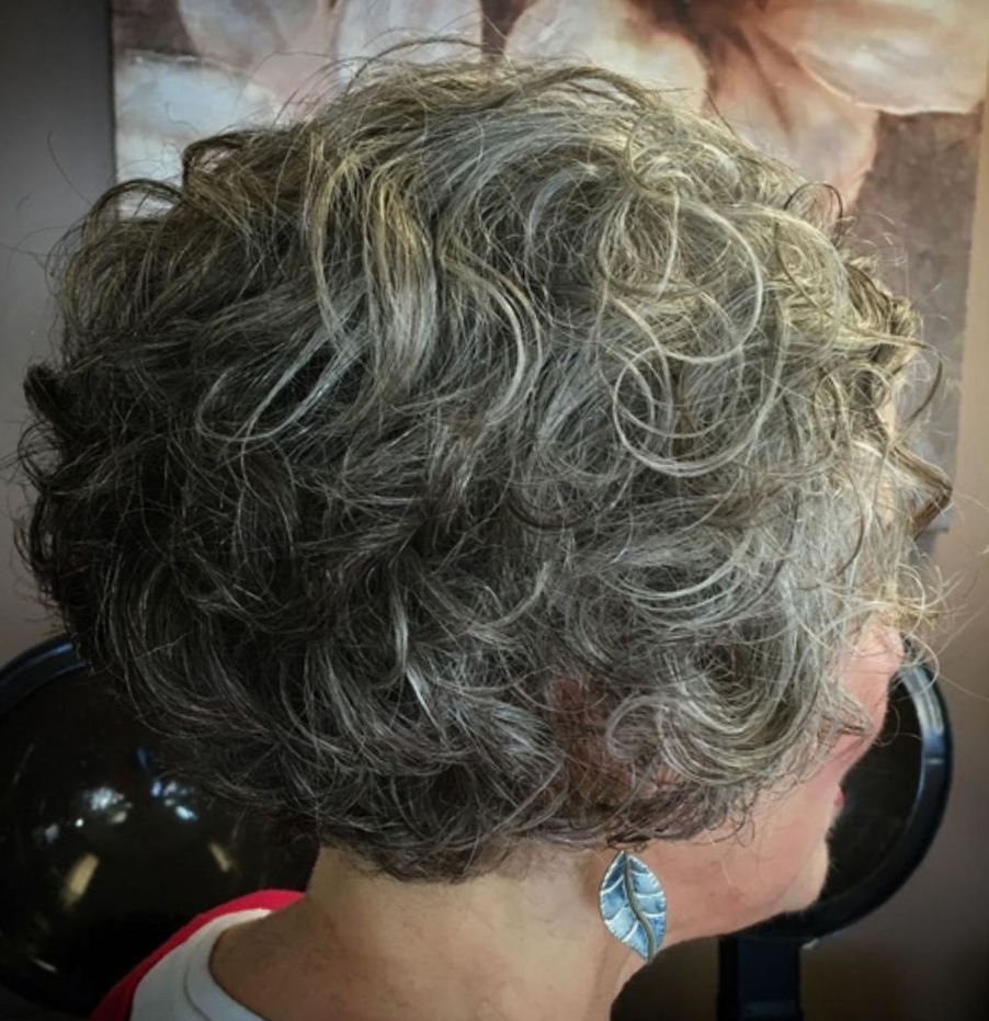 Short Curly Salt And Pepper Hairstyle Gorgeous Gray Hair Grey Curly Hair Curly Hair Styles Naturally