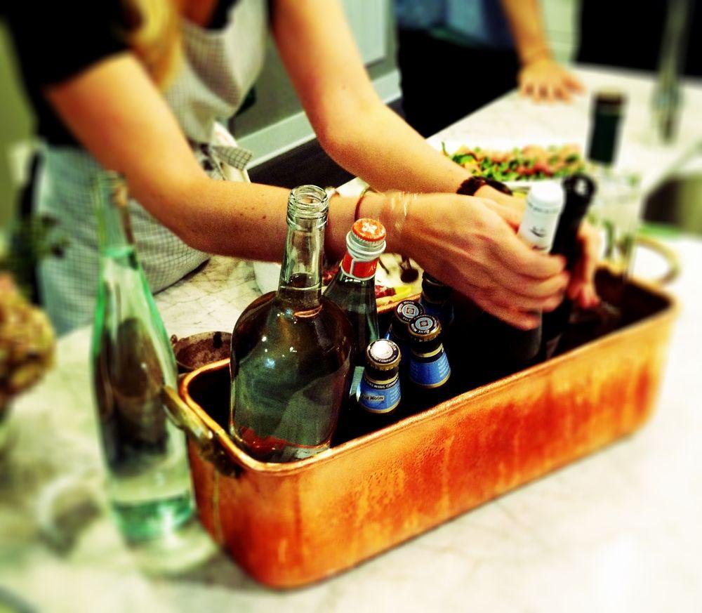 Mini cocktail bar. Via Chownashville.com