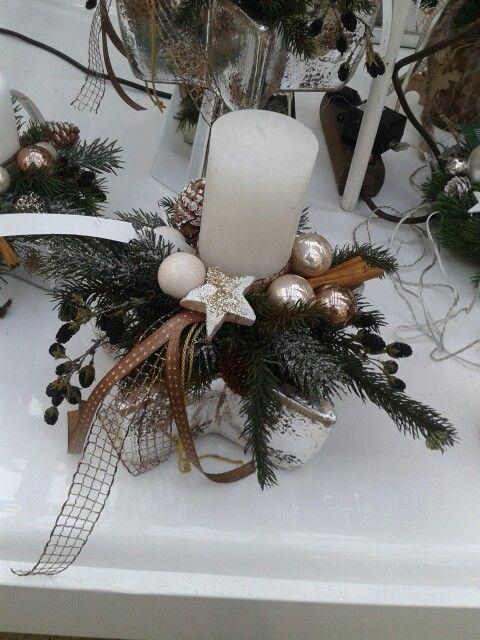 weihnachtsgesteck basteln weihnachten weihnachtsbasteln. Black Bedroom Furniture Sets. Home Design Ideas