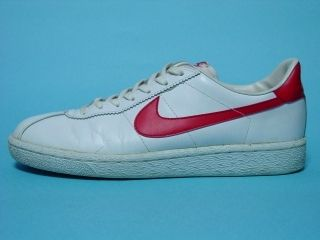 newest 27a95 c745c 1980s Nike Bruins....mine were navy blue swoosh on white