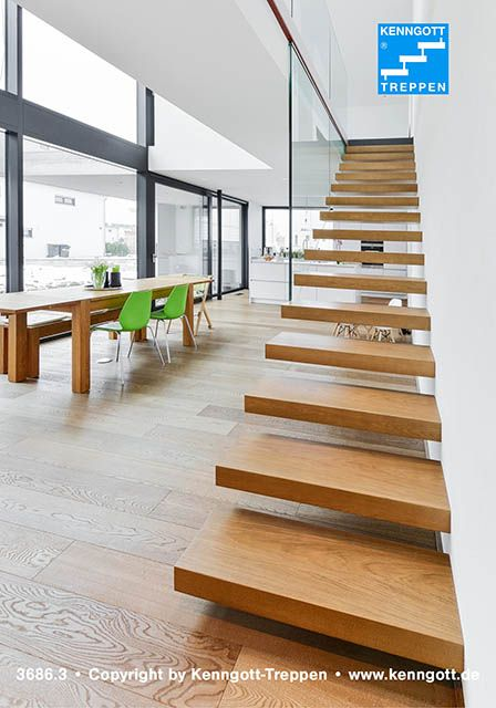 Kragarmtreppe von KENNGOTT Stufen Eiche Dickfunier Unsere - design treppe holz lebendig aussieht