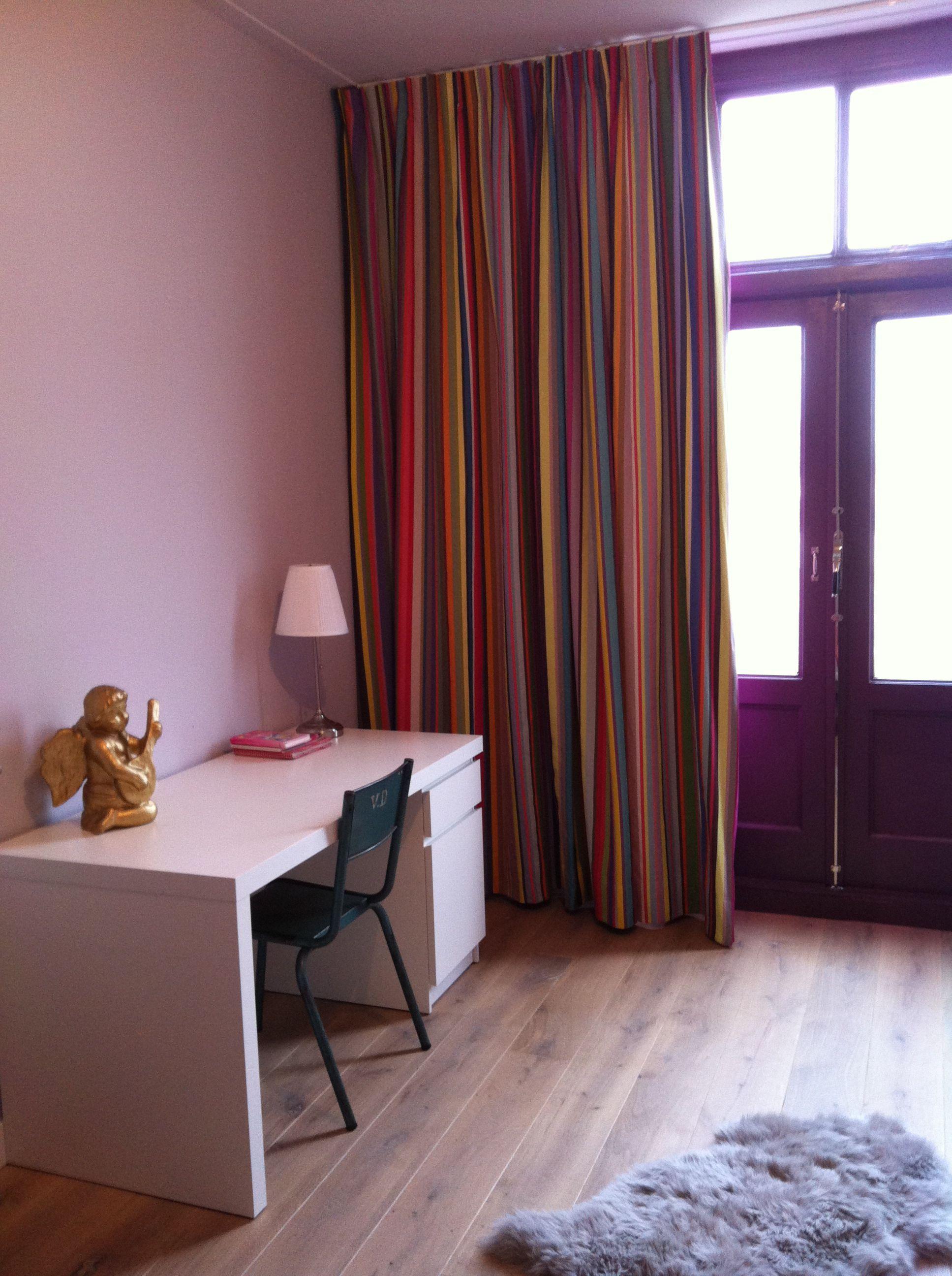 stoere meisjeskamer met kleurmeester gordijnen | kleurrijke ...