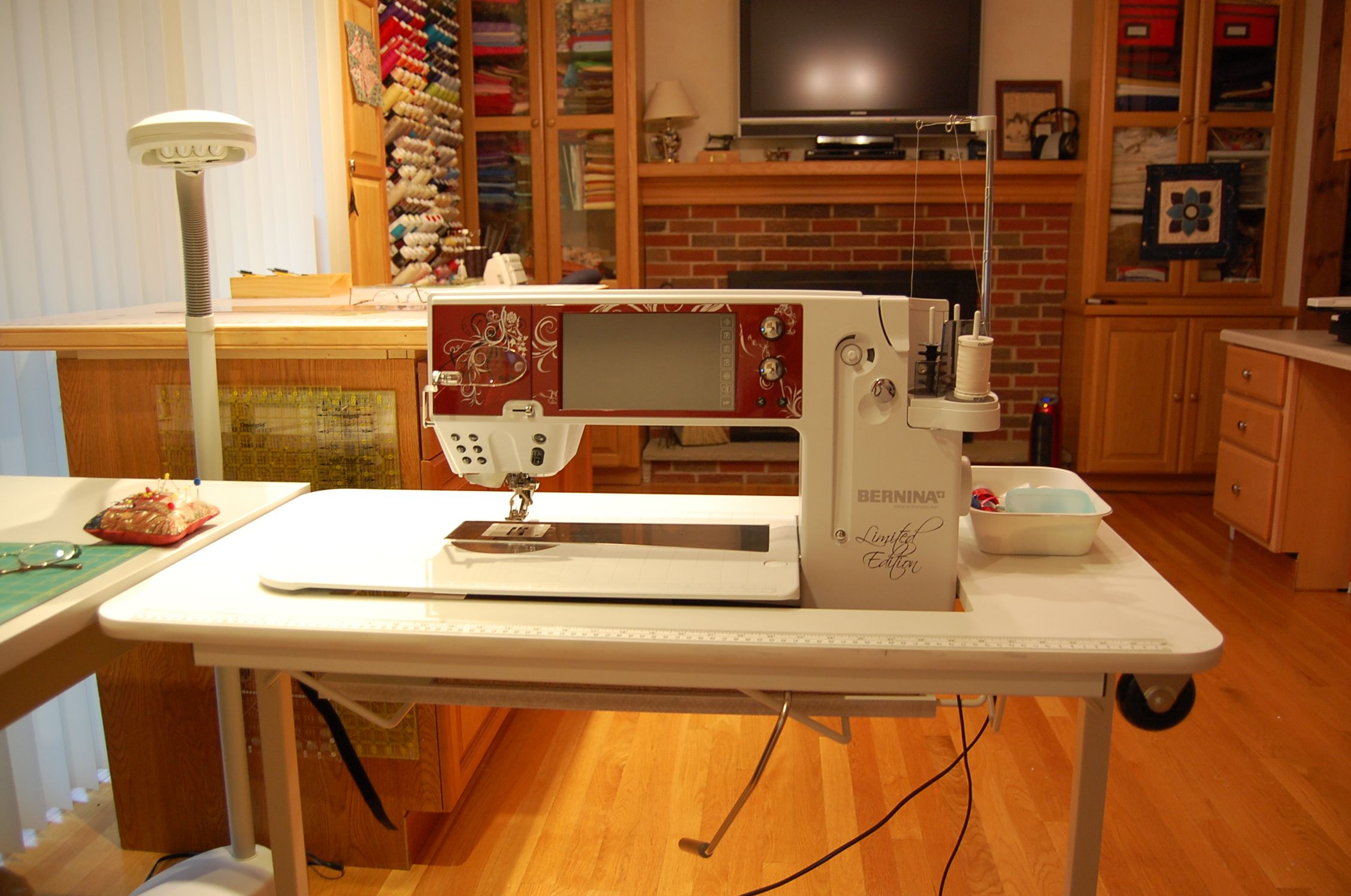 Inexpensive Sewing Table For The Large Bernina 820 830 Machines